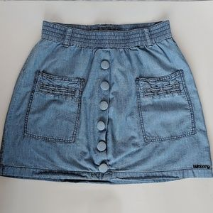EUC M billabong denim skirt